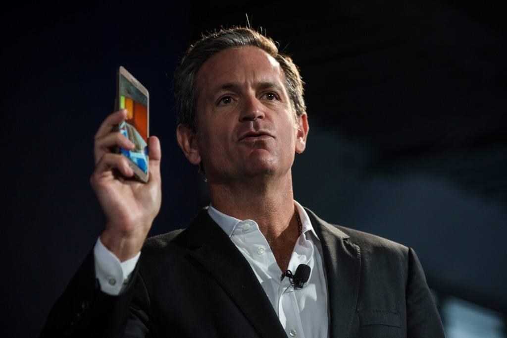 Executive VP of Samsung John Pleasants introduces the Samsung Galaxy Note 4 and Samsung Galaxy Note Edge