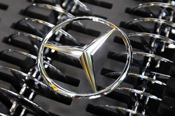 Daimler AG Mercedes-Benz emblems