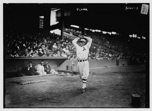 Eddie-Plank-pitching