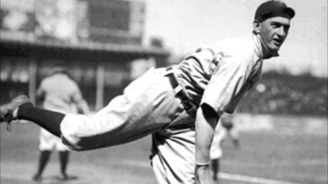 shoeless-joe-jackson-pitching