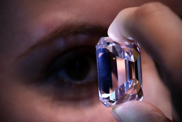 100-carat De Beers Diamond