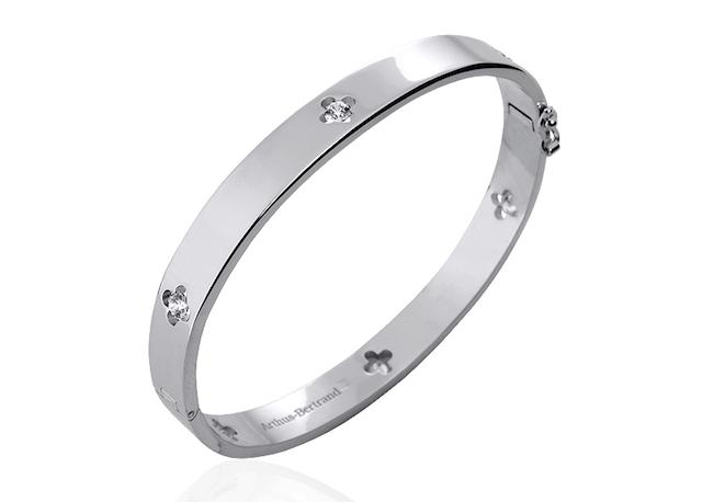 Royal rigid bracelet