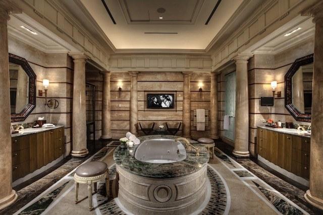Octavius Tower Pool Villas at Caesars Palace bathroom