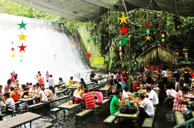 Villa-Escudero-Waterfalls-Restaurant-7