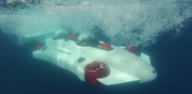 DeepFlight Dragon underwater
