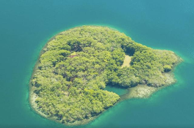 Airbnb Private Island