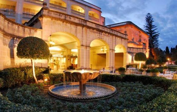 corinthia palace