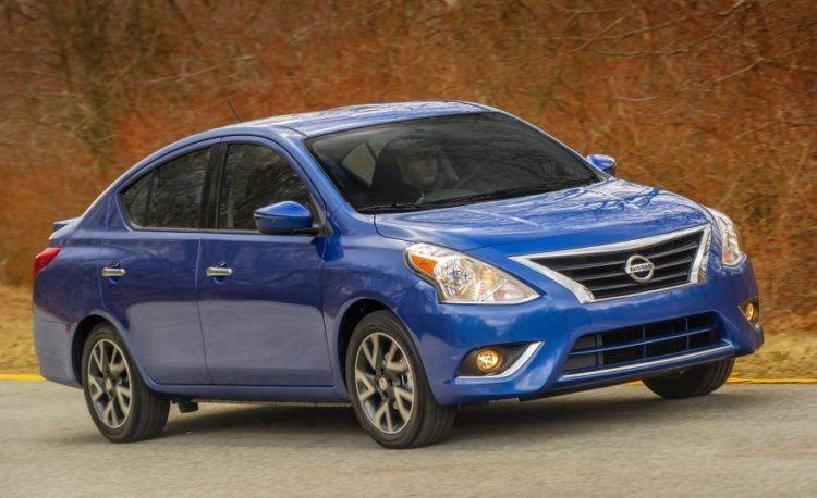 2017-Nissan-Versa-Sedan